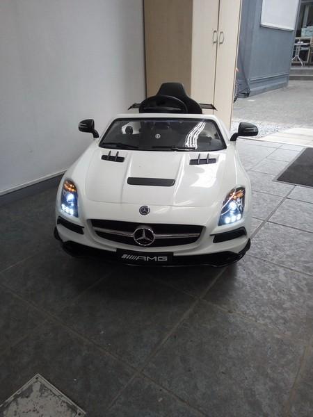 Kinder Elektroauto Mercedes SLS